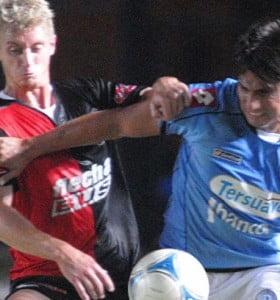 El partido entre Colón y Belgrano fue postergado por la lluvia y se jugará mañana