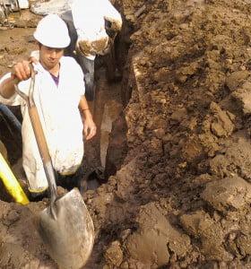 Reparacion de un acueducto en Córdoba y Ayacucho