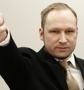 Condenaron a 21 años de cárcel al autor de la masacre de Oslo, que dejó 77 muertos