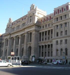 La Corte Suprema dispuso un aumento del 10 por ciento para el Poder Judicial