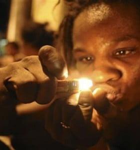 """Con """"conciencia social"""", los narcos prohíben el crack en las favelas"""