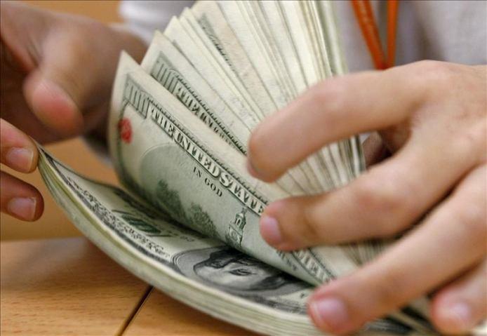 Control al dólar: en junio se compró sólo una décima parte que en 2011