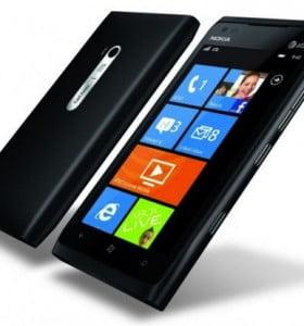 Lumia 900: Los tres operadores argentinos lanzan la preventa