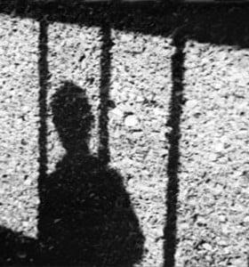 Declararon que es inconstitucional dar prisión perpetua a menores de edad