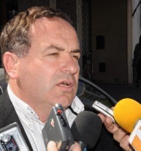 Valerio anunció que se colocará pavimento articulado sobre calle Esmeralda