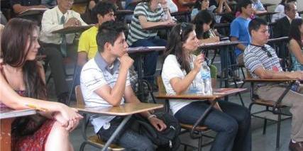 """""""Becas Universitarias Fundación Retama"""""""