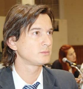 """""""Lo que intenta el concejal Mendoza es que Breitenstein no siga siendo intendente"""""""