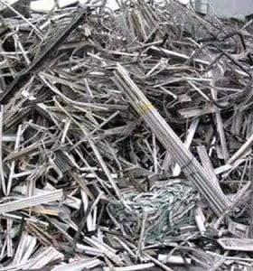 El Gobierno prohibió por un año la exportación de chatarra metálica