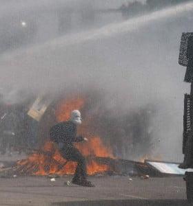 Represión en el acto contra el golpe en Chile