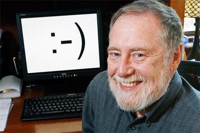 Los emoticones cumplen hoy 30 años :-)