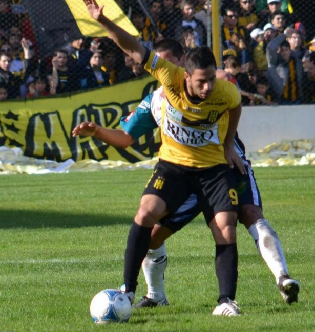 Olimpo goleó 4 a 0 a Aldosivi de Mar del Plata