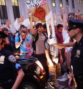 Las protestas se hicieron sentir en Wall Street y la policía detuvo a manifestantes