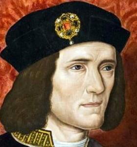 Reino Unido: hallaron debajo de un estacionamiento restos que podrían ser de Ricardo III