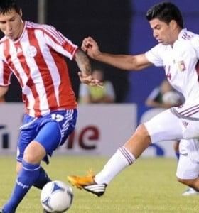 Venezuela sorprendió a Paraguay y se acercó a los puestos de clasificación
