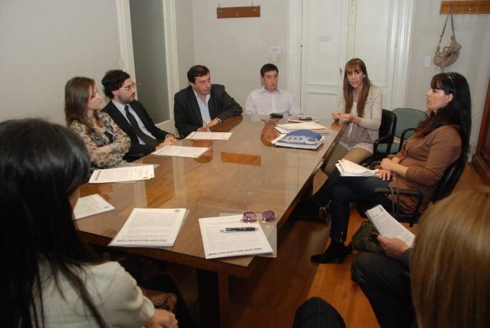 El municipio se reunió con representantes judiciales para coordinar acciones contra la violencia de género