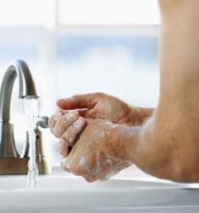 Sólo con lavarse las manos se pueden reducir en un 50 por ciento las diarreas infantiles