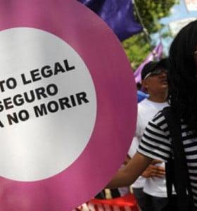 Francia: aprobaron el aborto legal, seguro y gratuito