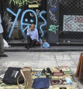 """Casi la mitad de los griegos tiene """"grandes dificultades"""" para sobrevivir"""