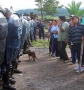 Jujuy: un choque entre policías y vecinos dejó 80 heridos y 70 detenidos