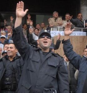 La bonaerense se sumó al reclamo de las fuerzas de seguridad por salarios