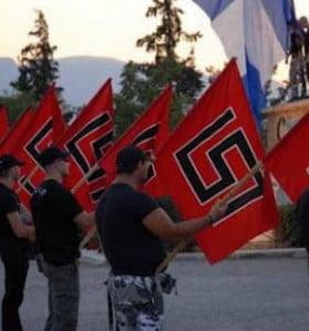 Los neonazis griegos asumen el trabajo de la Policía