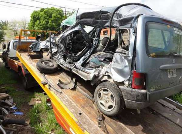 Murieron una mujer de Punta Alta y un hombre de Monte Hermoso en un accidente en Las Flores