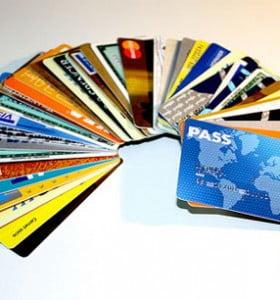Aún no se reglamentó la devolución del 15% del cargo a las tarjetas de crédito