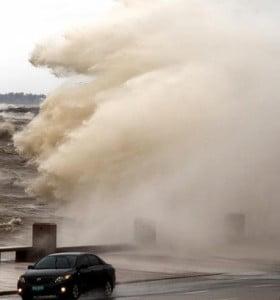 Hay un muerto en Uruguay por el temporal y sigue la alerta roja