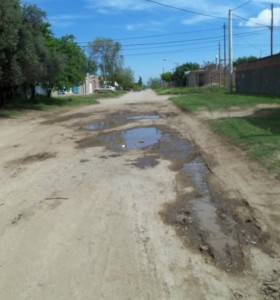 Vecinos de Villa Muñiz reclaman por el mal estado de las calles