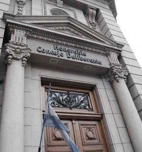 En medio de incidentes, Concejo no trató el aumento del boleto