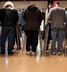 Elecciones en EEUU: largas colas para votar en Chicago, cuna política de Obama