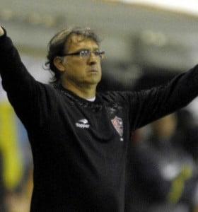 Dolor de cabeza para Martino: Rodríguez y Heinze, desgarrados