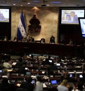 Una nueva crisis institucional sacude a Honduras