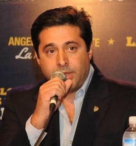 """Angelici se mostró """"optimista"""" tras la reunión con Riquelme"""
