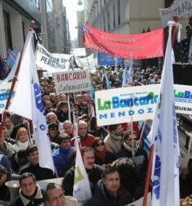 Bancarios no acatan la conciliación obligatoria y paran mañana
