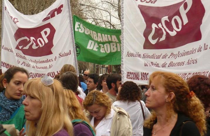 Médicos bonaerenses paran el 10 de enero tras cesanteo de dirigente gremial