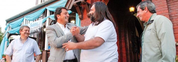 Tras un año de conflicto con Scioli, Baradel estampa acuerdo con Massa