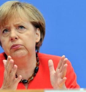 """La canciller alemana ve como """"posible"""" la condonación de la deuda griega en unos años"""