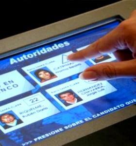 Estudian la implementación del voto electrónico en las elecciones de 2013