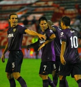 Boca jugó mejor y venció a Independiente con dos goles de Martínez