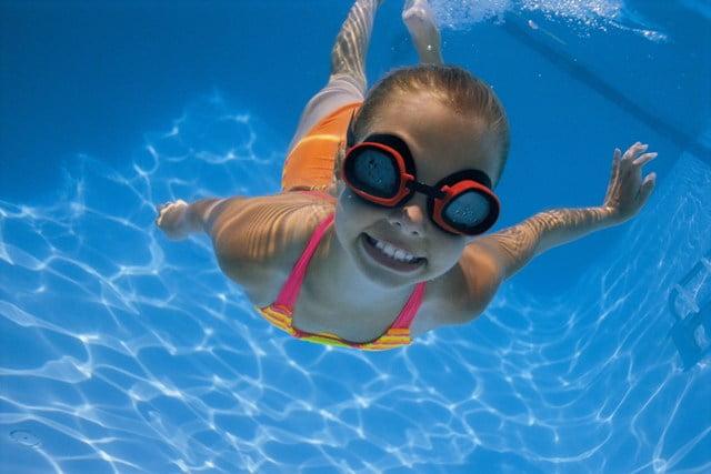 C mo prevenir accidentes en el agua for Planos de piletas de natacion