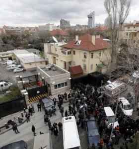 Atentado en la embajada de los EEUU en Turquía: dos muertos