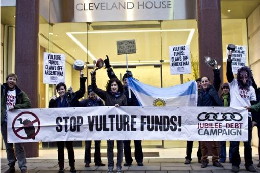 Ciudadanos británicos protestaron en Londres en apoyo de Argentina y contra los fondos buitre