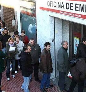 El desempleo no tiene freno en España: casi 5 millones de parados