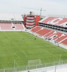 La AFA evalúa que los partidos se jueguen sin hinchas visitantes