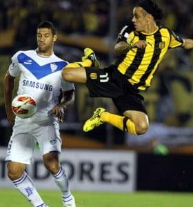 Vélez sacó chapa de candidato en Liniers