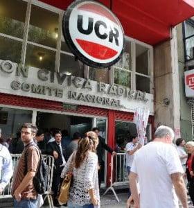 La UCR irá a la justicia por la reforma y llamó a un frente electoral para octubre