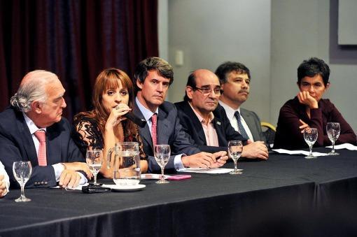 La UCR, la Coalición Cívica y Libres del Sur avanzan en un armado electoral
