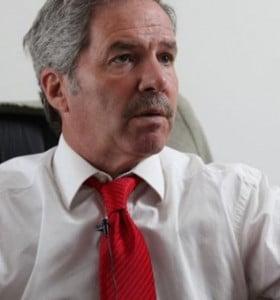 Solá se lanzó con críticas a Scioli y CFK