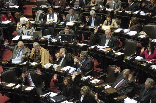 Diputados buscan quórum para aprobar el proyecto sobre el registro de los violadores